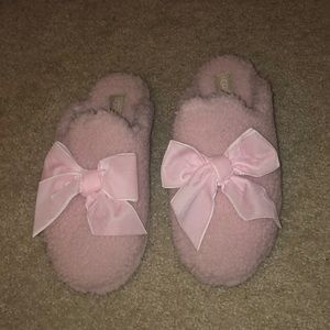 UGG! Pink bow slippers!